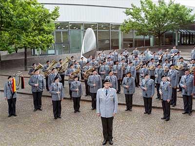 Heeresmusikkorps spielt für den Bürgerradweg